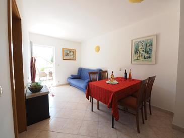 Slano, Dining room in the apartment, (pet friendly) and WiFi.