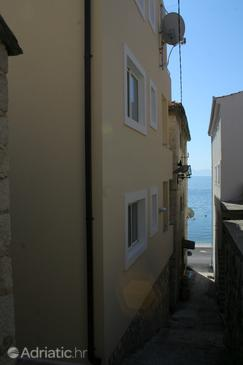 Igrane, Makarska, Property 2685 - Apartments near sea with pebble beach.