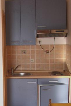 Bratuš, Kitchen in the studio-apartment, WIFI.