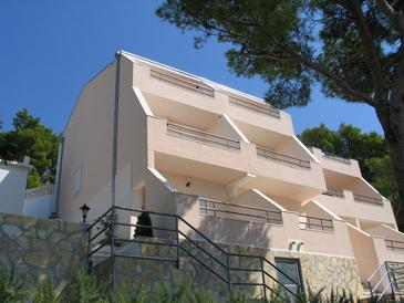 Bratuš, Makarska, Property 2696 - Apartments with pebble beach.