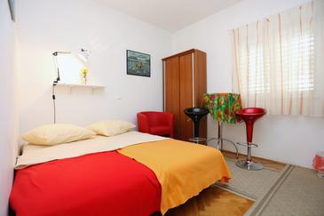 Promajna, Bedroom in the room, dostupna klima i WIFI.