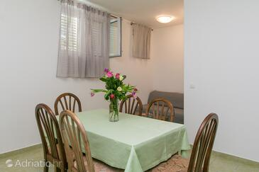 Brela, Dining room in the apartment, WiFi.