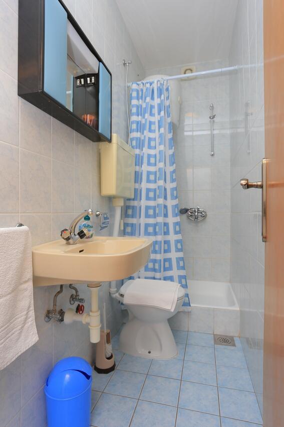 Ferienwohnung Studio Appartment im Ort Brela (Makarska), Kapazität 2+1 (2142090), Brela, , Dalmatien, Kroatien, Bild 4