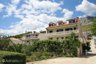 Duće, Omiš, Property 2729 - Rooms near sea with sandy beach.
