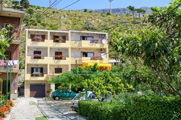 Duće, Omiš, Property 2730 - Apartments by the sea.