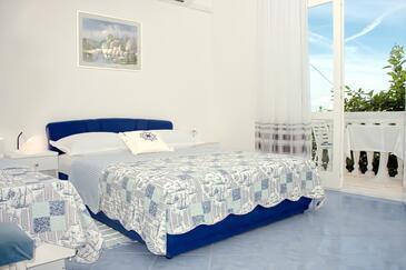 Živogošće - Porat, Sypialnia w zakwaterowaniu typu room, Dostępna klimatyzacja i WiFi.