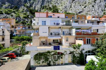 Omiš, Omiš, Property 2738 - Apartments with sandy beach.