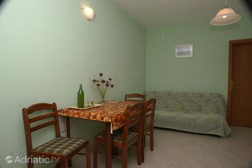 Marušići, Blagovaonica u smještaju tipa apartment, kućni ljubimci dozvoljeni i WiFi.