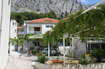 Omiš, Omiš, Property 2745 - Apartments with sandy beach.