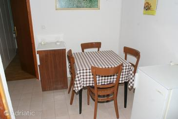 Duće, Dining room in the apartment.