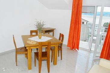Duće, Dining room in the apartment, dopusteni kucni ljubimci.