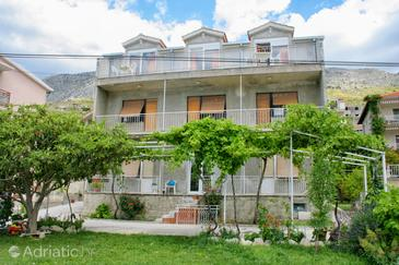 Duće, Omiš, Property 2748 - Apartments near sea with sandy beach.