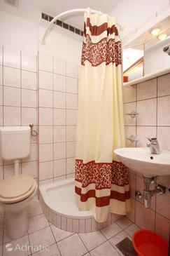Bathroom 2   - A-275-d