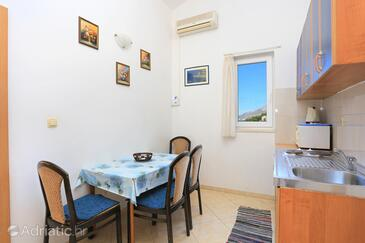Balića Rat, Dining room in the apartment, WiFi.