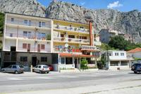 Apartments with WiFi Omiš - 2757