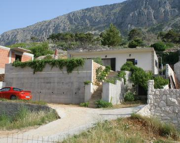Lokva Rogoznica, Omiš, Property 2759 - Apartments with pebble beach.