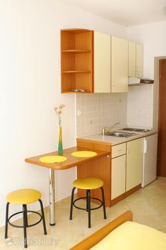 Medići, Kitchen in the studio-apartment, WIFI.