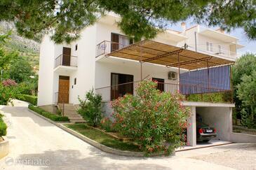 Medići, Omiš, Property 2770 - Apartments near sea with pebble beach.