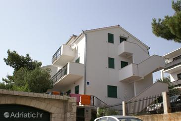 Nemira, Omiš, Property 2771 - Apartments near sea with pebble beach.