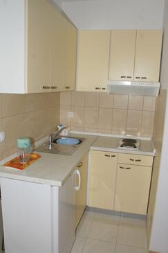 Stanići, Kuchyňa v ubytovacej jednotke studio-apartment, WIFI.