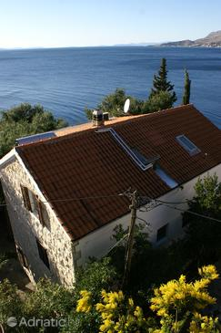 Nemira, Omiš, Property 2776 - Apartments near sea with pebble beach.