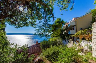 Pisak, Omiš, Объект 2802 - Апартаменты вблизи моря с галечным пляжем.