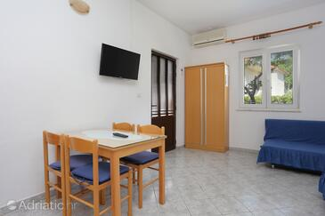 Orij, Jídelna v ubytování typu studio-apartment, WiFi.
