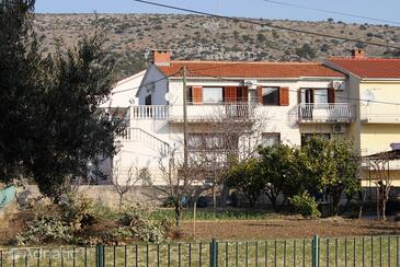 Trogir, Trogir, Property 2817 - Apartments with sandy beach.