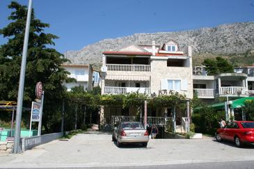 Stanići, Omiš, Property 2819 - Apartments with pebble beach.