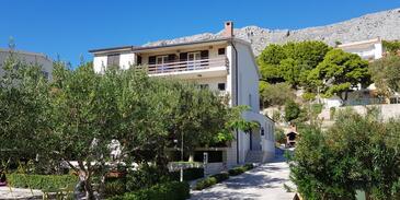 Duće, Omiš, Property 2821 - Apartments near sea with sandy beach.