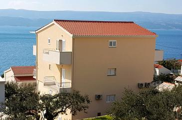 Stanići, Omiš, Property 2824 - Apartments near sea with pebble beach.