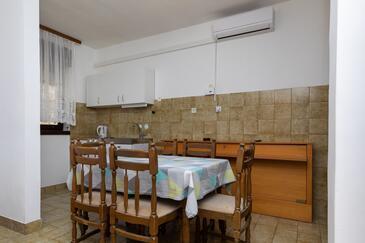 Nemira, Jadalnia w zakwaterowaniu typu apartment, dopusteni kucni ljubimci i WIFI.