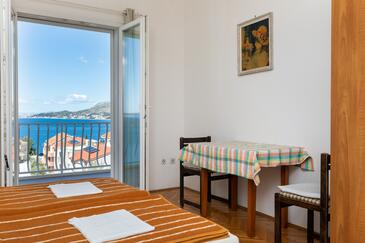 Nemira, Jadalnia w zakwaterowaniu typu studio-apartment, dostupna klima, dopusteni kucni ljubimci i WIFI.