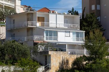 Nemira, Omiš, Property 2828 - Apartments near sea with pebble beach.