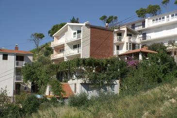 Duće, Omiš, Obiekt 2830 - Apartamenty przy morzu z piaszczystą plażą.