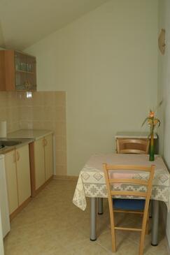 Supetar, Jadalnia w zakwaterowaniu typu studio-apartment, dopusteni kucni ljubimci i WIFI.