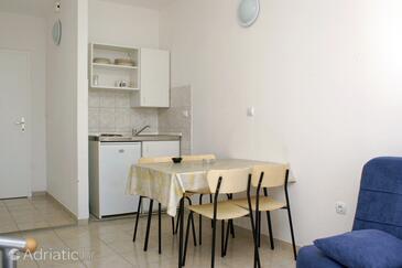 Supetar, Dining room in the studio-apartment, WIFI.