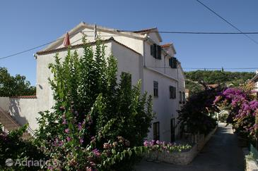 Sutivan, Brač, Property 2842 - Apartments with pebble beach.