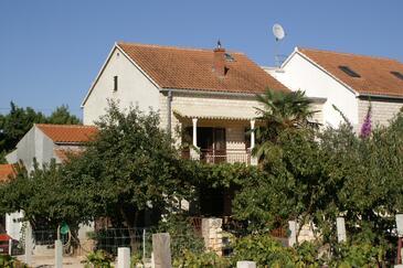 Mirca, Brač, Obiekt 2843 - Apartamenty ze żwirową plażą.