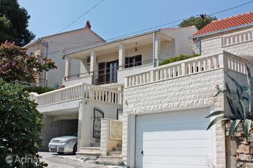 Sutivan, Brač, Property 2846 - Apartments with pebble beach.