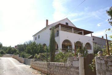 Supetar, Brač, Объект 2848 - Апартаменты с галечным пляжем.