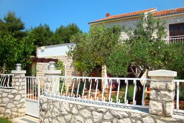 Mirca, Brač, Property 2853 - Apartments near sea with pebble beach.