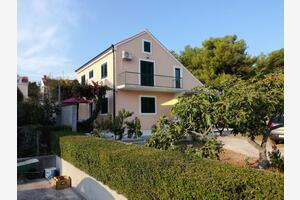 Apartamenty nad morzem Mirca (Brač) - 2854