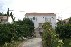 Apartments with a parking space Supetar (Brac) - 2856