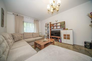 Splitska, Living room in the apartment, WiFi.