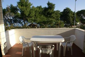 Apartments by the sea Supetar (Brač) - 2859