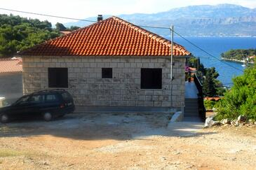 Splitska, Brač, Property 2867 - Apartments with rocky beach.