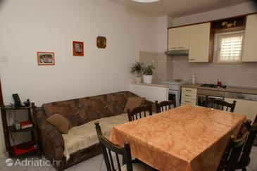 Postira, Dining room in the apartment.