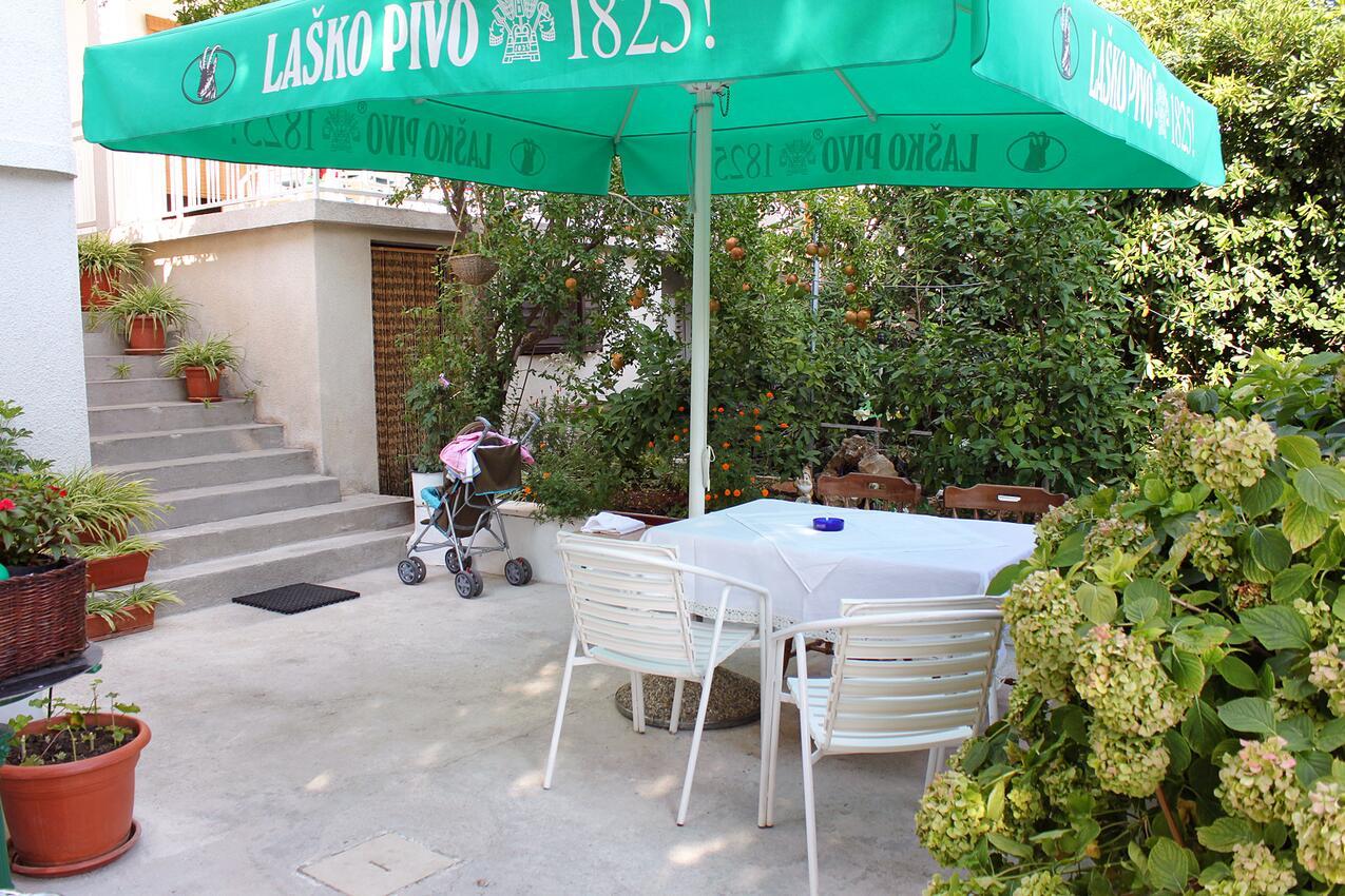 Studio Appartment im Ort Bol (Bra?), Kapazitä Ferienwohnung in Kroatien