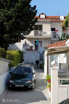 Bol, Brač, Property 2878 - Apartments and Rooms with pebble beach.